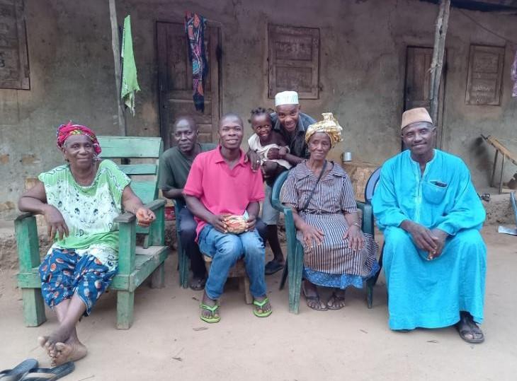 Onze gastheer met zijn familie
